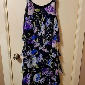 NWT SLNY Adorable Sleeveless Floral Midi Dress